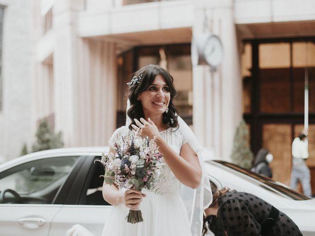 La boda de Miguel y Lucía en Oviedo, Asturias 12