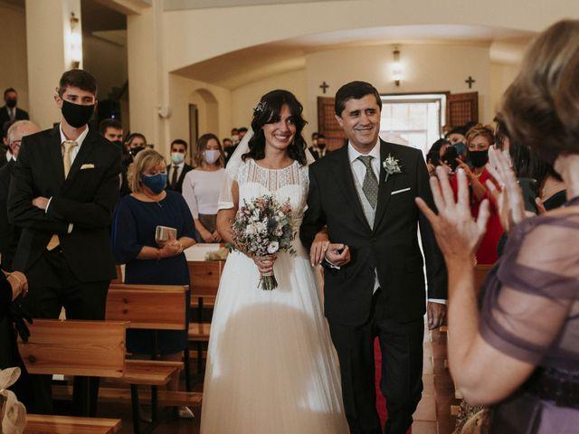 La boda de Miguel y Lucía en Oviedo, Asturias 14