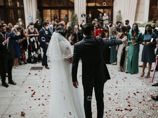 La boda de Miguel y Lucía en Oviedo, Asturias 25