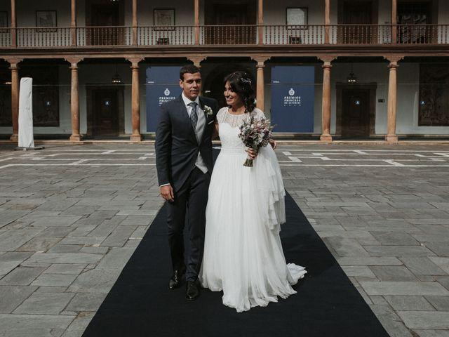 La boda de Miguel y Lucía en Oviedo, Asturias 31