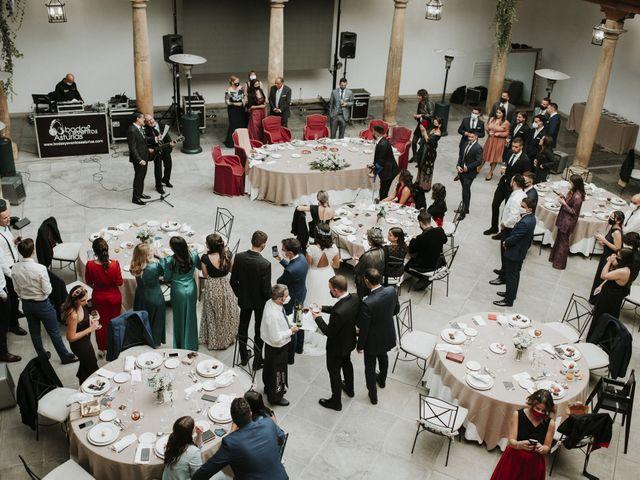 La boda de Miguel y Lucía en Oviedo, Asturias 34