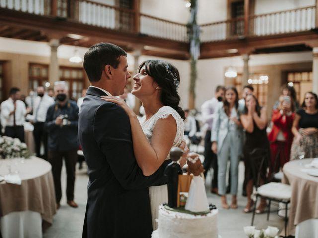 La boda de Miguel y Lucía en Oviedo, Asturias 36