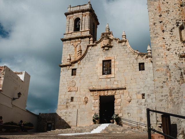 La boda de Michael y Patricia en Peñiscola, Castellón 37