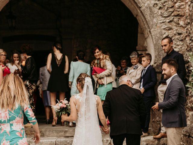 La boda de Alejandro y Cristina en San Vicente De La Barquera, Cantabria 12