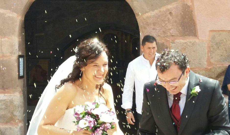La boda de Enrique y Estela  en Estollo, La Rioja