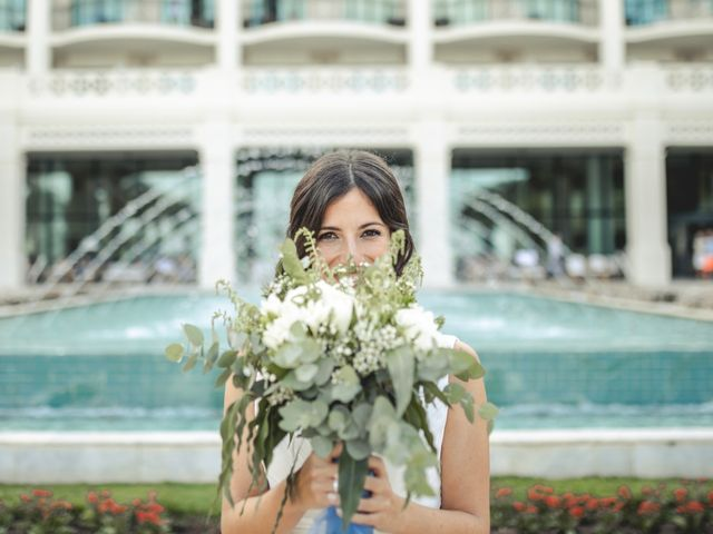 La boda de Javier y Naira en Chiva, Valencia 12