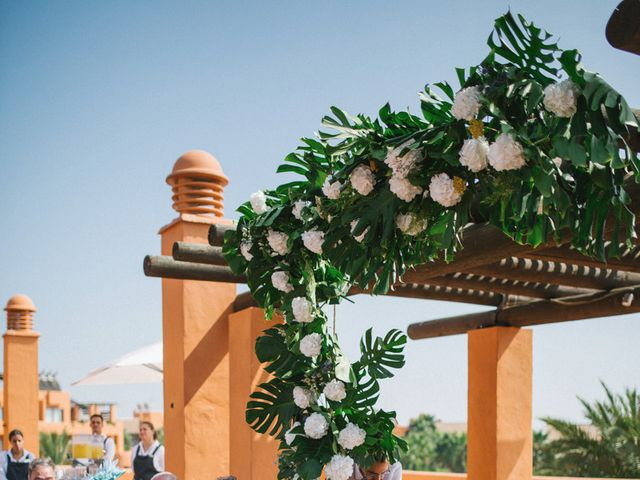 La boda de Felipe y Marta en Chiclana De La Frontera, Cádiz 47