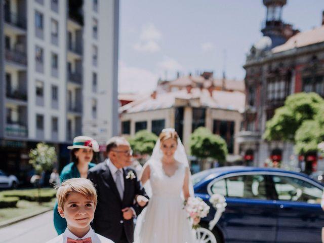 La boda de Javi y Cova en Avilés, Asturias 3