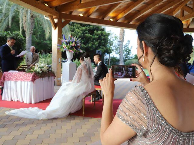 La boda de Toni y Laura en La Pobla De Farnals, Valencia 1