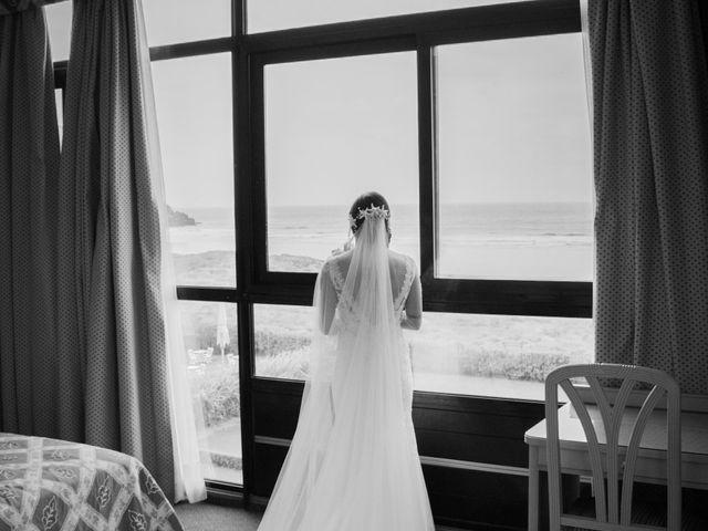La boda de Esther y Imanol en Santoña, Cantabria 13
