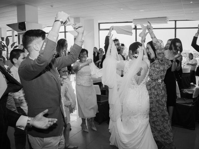 La boda de Esther y Imanol en Santoña, Cantabria 16