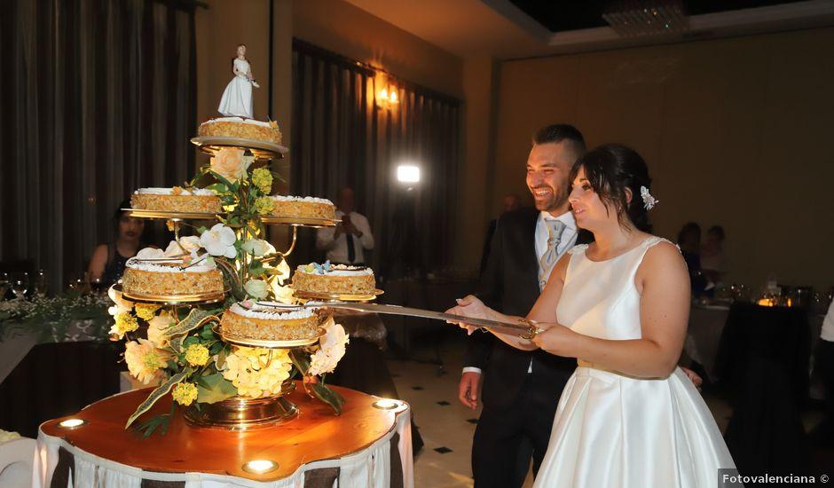 La boda de Toni y Laura en La Pobla De Farnals, Valencia