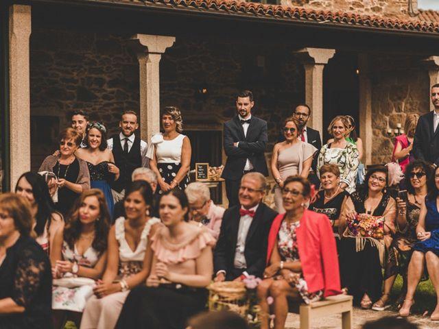 La boda de Óscar y Amina en Chantada (Casco Urbano), Lugo 26