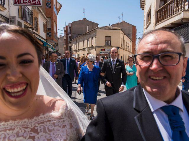 La boda de Ramón y Ana en Tarazona De La Mancha, Albacete 10