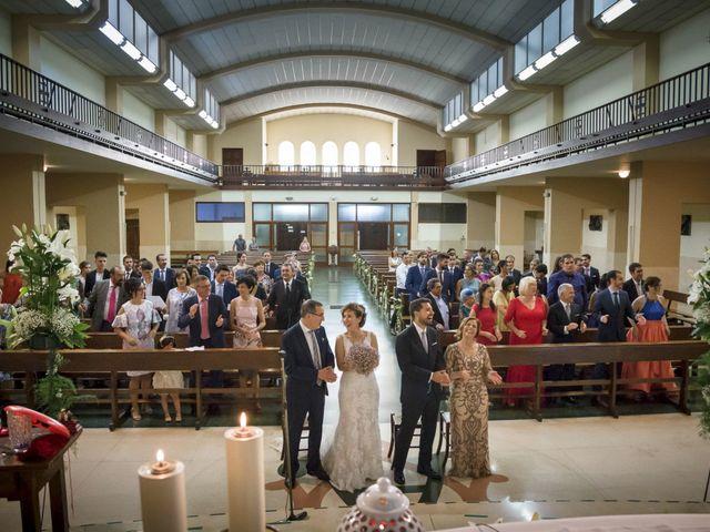 La boda de Raúl y Alba en Bilbao, Vizcaya 17