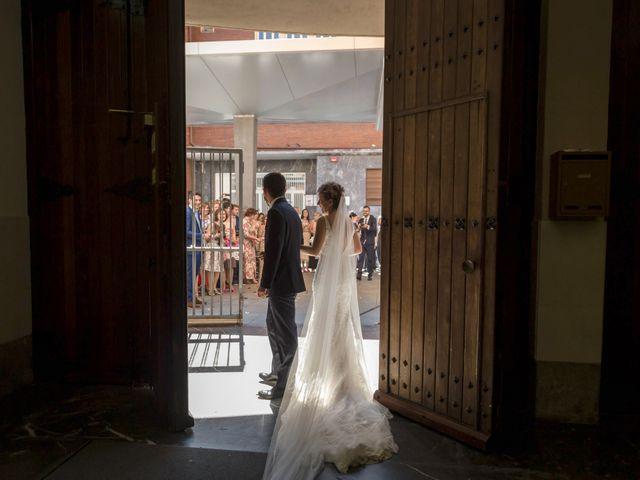 La boda de Raúl y Alba en Bilbao, Vizcaya 18