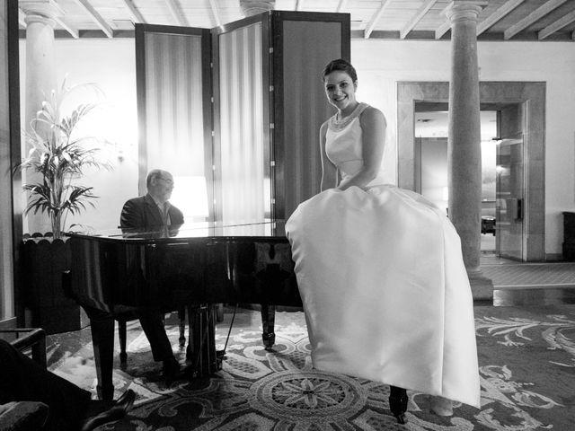 La boda de Gus y Esther en Oviedo, Asturias 98