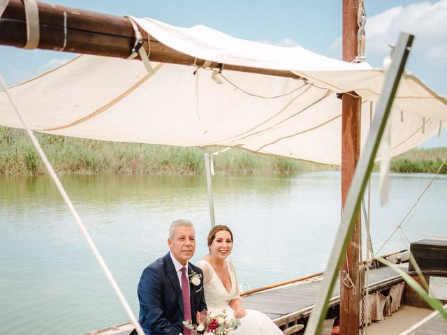 La boda de Marta  y Unai en Valencia, Valencia 4