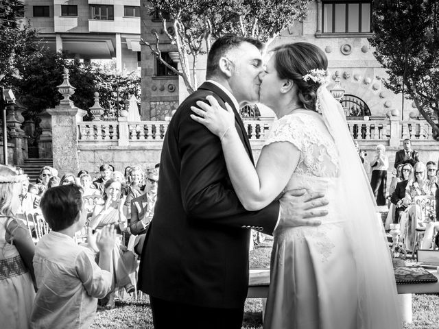 La boda de Manuel y Paula en Vigo, Pontevedra 21
