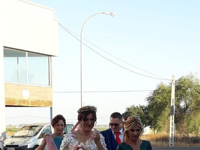 La boda de Juan y Yolanda en Guillena, Sevilla 5