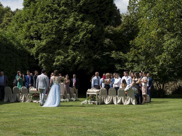 La boda de Gabriel y Noemí en Santiago De Compostela, A Coruña 21