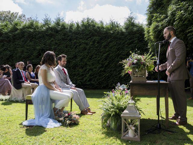 La boda de Gabriel y Noemí en Santiago De Compostela, A Coruña 22