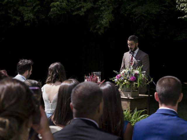 La boda de Gabriel y Noemí en Santiago De Compostela, A Coruña 23