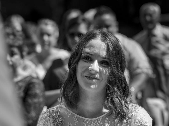 La boda de Gabriel y Noemí en Santiago De Compostela, A Coruña 25