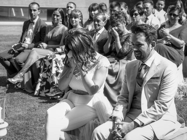 La boda de Gabriel y Noemí en Santiago De Compostela, A Coruña 27