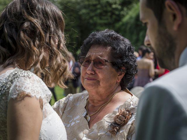 La boda de Gabriel y Noemí en Santiago De Compostela, A Coruña 34