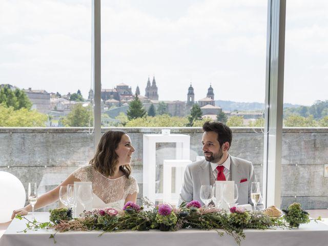 La boda de Gabriel y Noemí en Santiago De Compostela, A Coruña 44