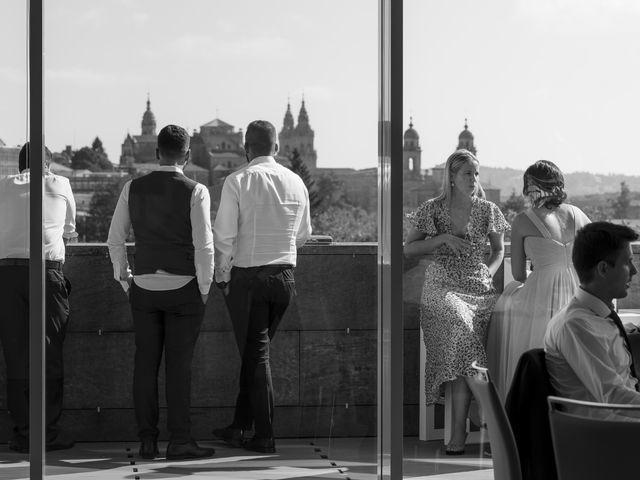 La boda de Gabriel y Noemí en Santiago De Compostela, A Coruña 46
