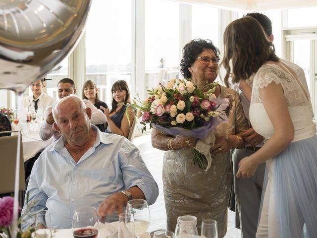 La boda de Gabriel y Noemí en Santiago De Compostela, A Coruña 50