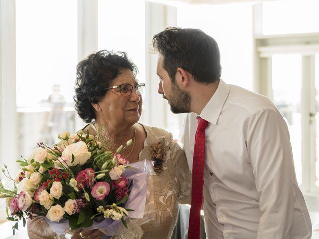 La boda de Gabriel y Noemí en Santiago De Compostela, A Coruña 52