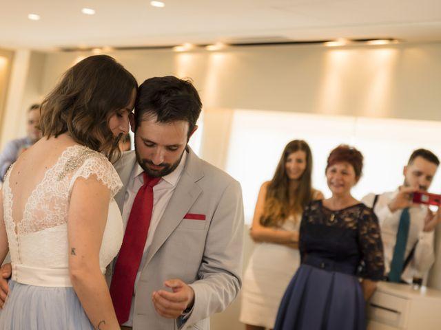 La boda de Gabriel y Noemí en Santiago De Compostela, A Coruña 58