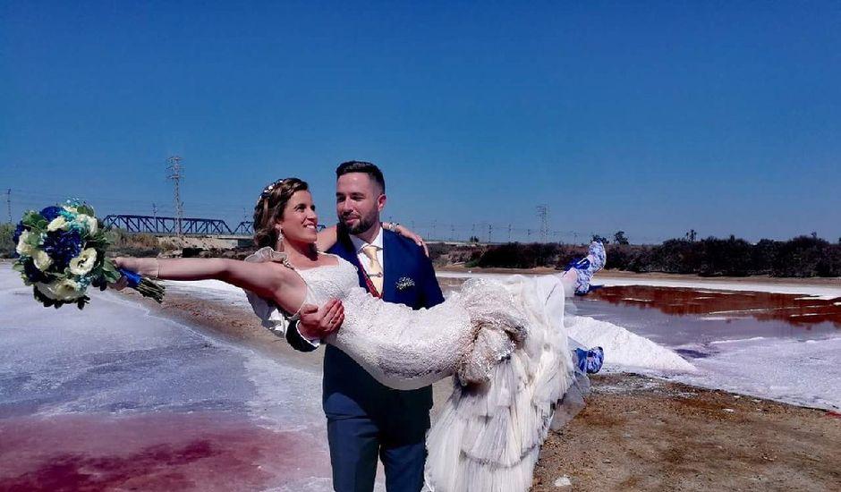 La boda de Juan y Carmen Mari  en San Fernando, Cádiz