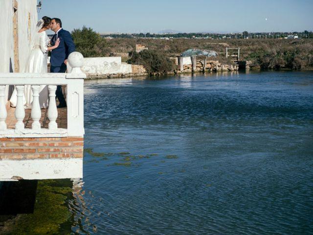 La boda de Antonio Ariza y Isabel María Román Miceas en Chiclana De La Frontera, Cádiz 1