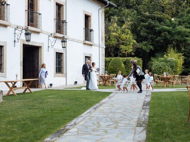 La boda de Adrián y Aida en Valdesoto, Asturias 33