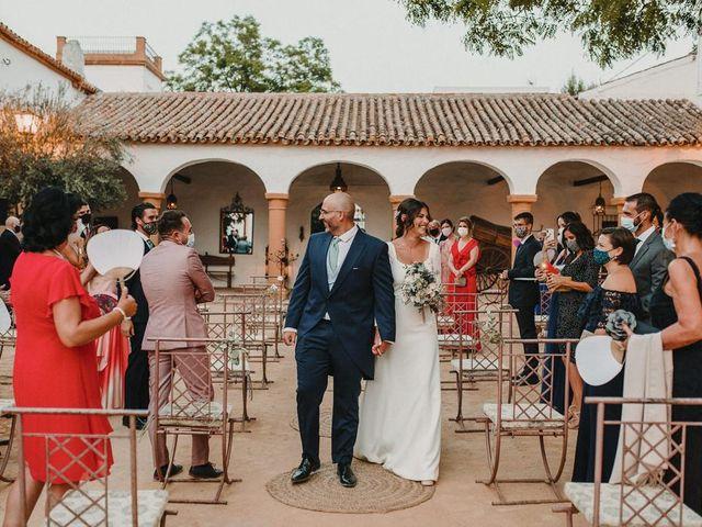 La boda de Carmen y Fernando  en Alcala De Guadaira, Sevilla 25