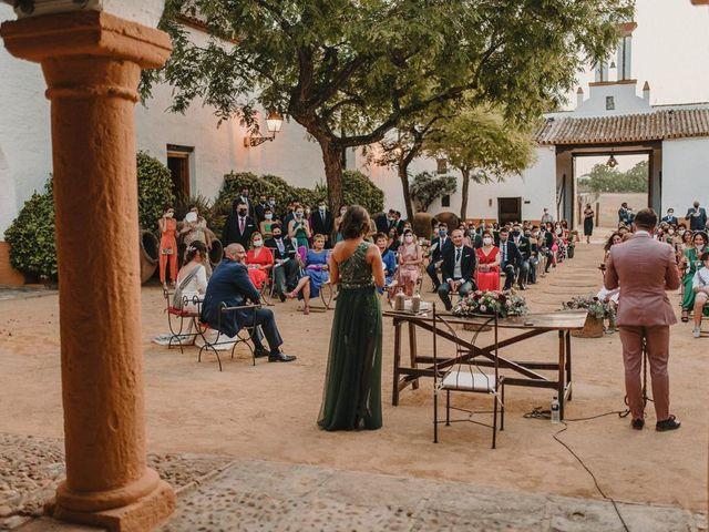 La boda de Carmen y Fernando  en Alcala De Guadaira, Sevilla 29