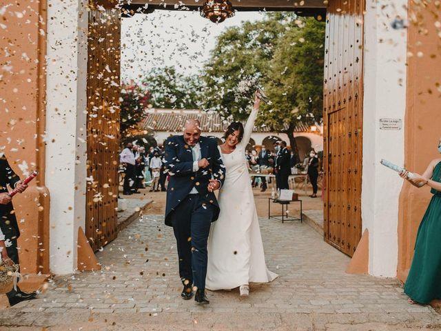 La boda de Carmen y Fernando  en Alcala De Guadaira, Sevilla 43