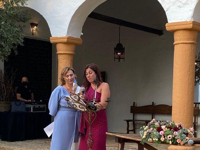 La boda de Carmen y Fernando  en Alcala De Guadaira, Sevilla 46