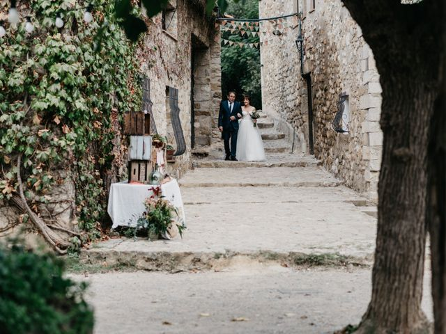 La boda de Oriol y Eli en Sant Ferriol, Girona 33
