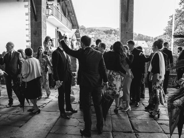 La boda de Arkaitz y Saioa en Kortezubi, Vizcaya 15