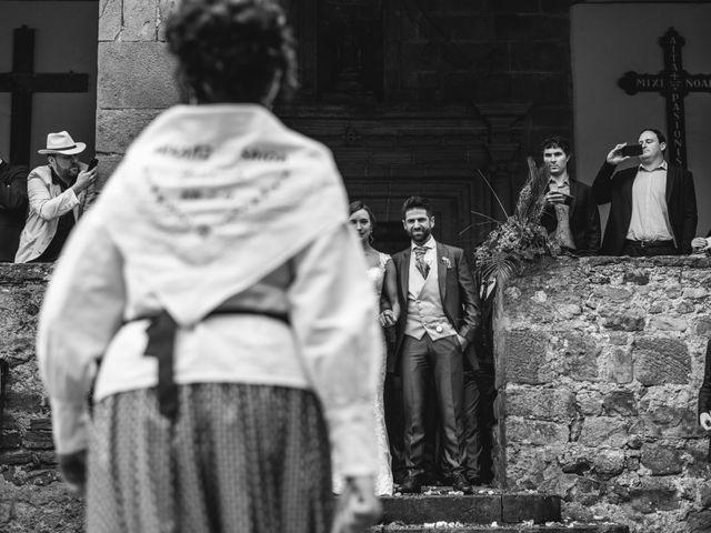 La boda de Arkaitz y Saioa en Kortezubi, Vizcaya 30