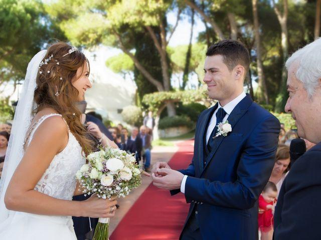 La boda de Antonio y Natia en Sant Vicenç De Montalt, Barcelona 17