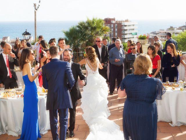 La boda de Antonio y Natia en Sant Vicenç De Montalt, Barcelona 28
