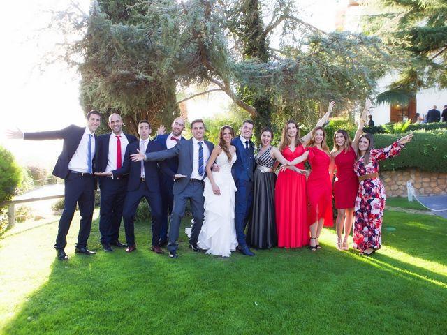 La boda de Antonio y Natia en Sant Vicenç De Montalt, Barcelona 32