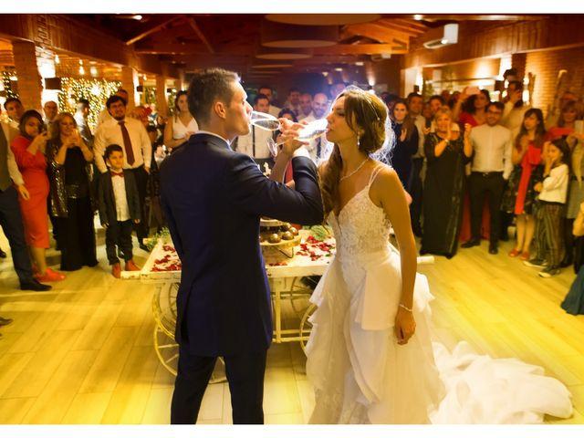 La boda de Antonio y Natia en Sant Vicenç De Montalt, Barcelona 41