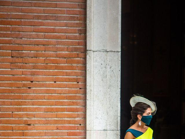 La boda de Borja y Irene en Torrelodones, Madrid 17
